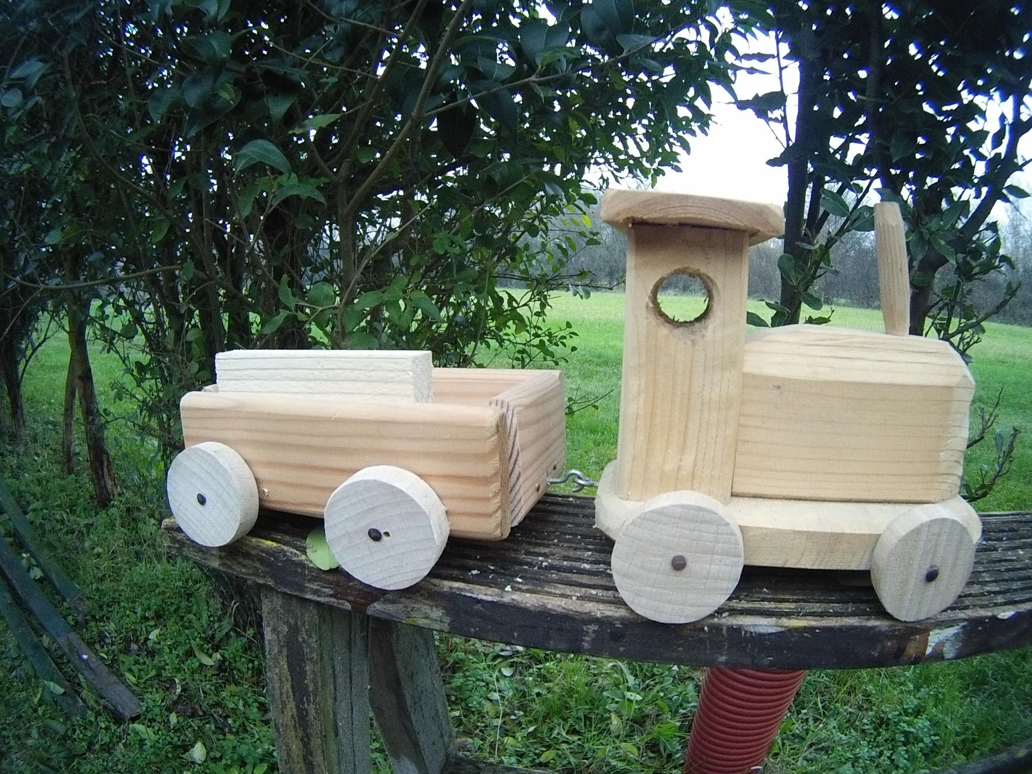Costruire o acquistare un gioco di legno terraviva ferrara - Costruire un portabottiglie in legno ...